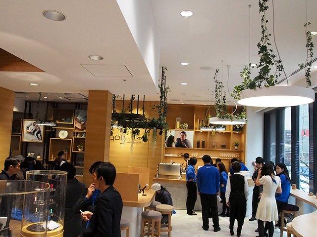 PMI日本推出缩短充电时间的新款加热不燃烧 IQOS 2.4 Plus